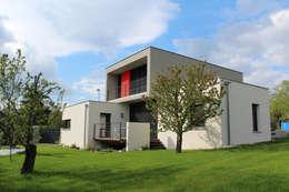 Projekty, nowoczesne Domy zaprojektowane przez Atelier d'architecture Pilon & Georges