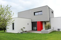 modern Houses by Atelier d'architecture Pilon & Georges