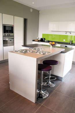 Projekty,  Kuchnia zaprojektowane przez Atelier d'architecture Pilon & Georges