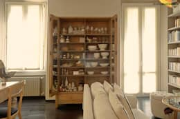 Casa Nadine, stile in low cost!: Soggiorno in stile in stile Moderno di studiodonizelli