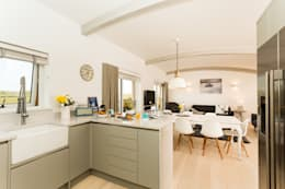 modern Kitchen by The Bazeley Partnership