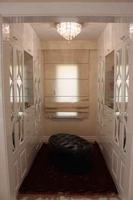 AYAYAPITASARIM – VİLLA-2: rustik tarz tarz Giyinme Odası