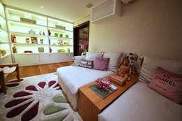 modern Living room by MeyerCortez arquitetura & design