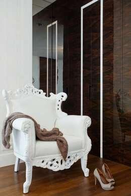 szafa z intarsją: styl , w kategorii Sypialnia zaprojektowany przez living box