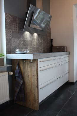 industrial Kitchen by Concept Beton