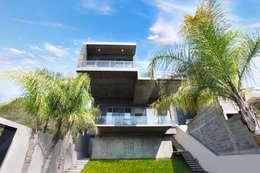 Vista desde Jardín: Casas de estilo moderno por Diez y Nueve Grados Arquitectos