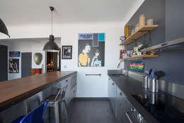 Appartement Caulaincourt Paris: Cuisine de style de style eclectique par Hélène de Tassigny