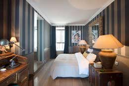 Projekty,  Sypialnia zaprojektowane przez Hélène de Tassigny