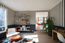 Maison individuelle Le Chesnay: Bureau de style de style Moderne par Hélène de Tassigny