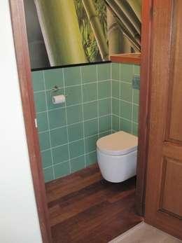 gastenbadkamer in Harens landhuis: landelijke Badkamer door Badexclusief