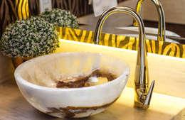 Projeto de Arquitetura de Interiores - Lavabo: Banheiros modernos por Sarah & Dalira
