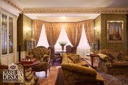 Дом космополит: Гостиная в . Автор – KASHUBA DESIGN
