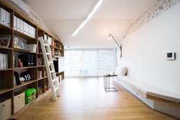 The Diagonal Line _평창동 빌라: 지오아키텍처의  거실