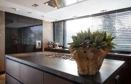 Woonhuis Rotterdam: moderne Keuken door Blokland Interieurbouw
