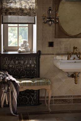 Дом на Днепре: Ванные комнаты в . Автор – SBM studio