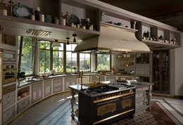 Дом на Днепре: Кухни в . Автор – SBM studio