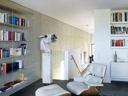 Projekty,  Domowe biuro i gabinet zaprojektowane przez PaulBretz Architectes