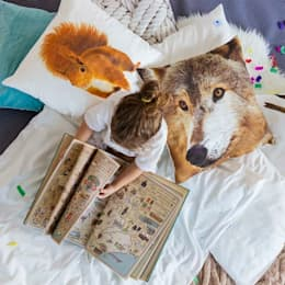 Poduszki Wiewiórka, Wilk: styl , w kategorii Sypialnia zaprojektowany przez Makalulu