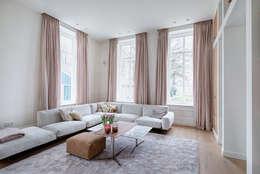 Ruang Keluarga by Baden Baden Interior