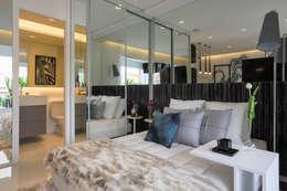 Dormitorios de estilo moderno por Chris Silveira & Arquitetos Associados