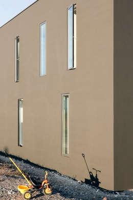 شبابيك  تنفيذ f m b architekten - Norman Binder & Andreas-Thomas Mayer