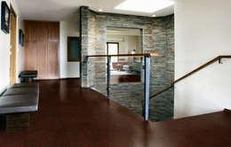 Projekty,  Ściany i podłogi zaprojektowane przez Granorte