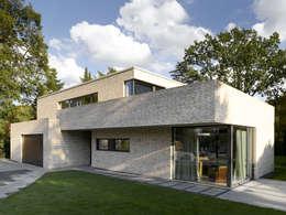 Casas modernas por HGK Hamburger Grundstückskontor