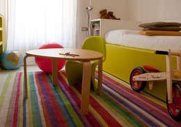 Dormitorios de estilo moderno por davide petronici   architettura