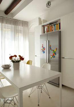 Cocinas de estilo moderno por davide petronici   architettura