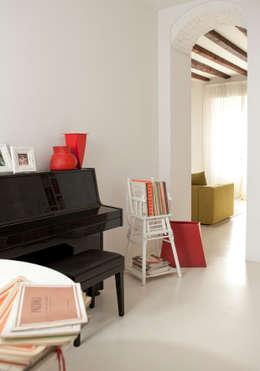 Estudios y oficinas de estilo moderno por davide petronici   architettura