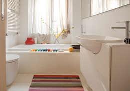 Baños de estilo  por davide petronici | architettura