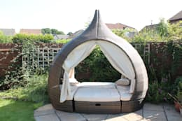 Garden Furniture Centre의  정원