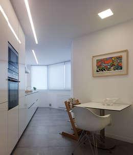 مطبخ تنفيذ Castroferro Arquitectos