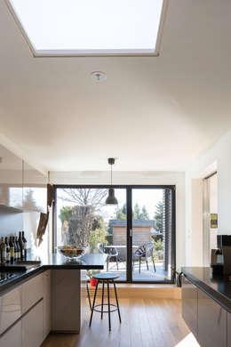 Projekty, nowoczesne Domy zaprojektowane przez Vulacon-Gibello Architectes