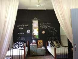 Dormitorios de estilo  por Federica Rossi Interior Designer
