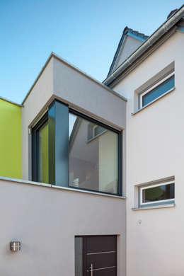 Projekty, nowoczesne Domy zaprojektowane przez Ewald.Volk.Architekten