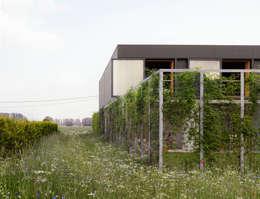 OFFICE Kersten Geers David Van Severenが手掛けた庭