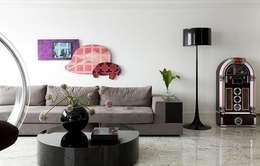 Triplex Moema: Salas de estar modernas por STUDIO CAMILA VALENTINI