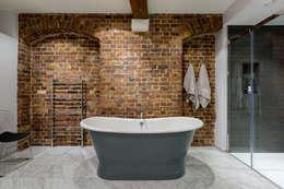 Baños de estilo industrial por Will Eckersley