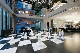 moderne Mediakamer door Tommaso Giunchi Architect