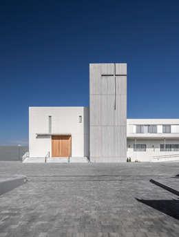 Casas de estilo moderno por Hernández Arquitectos