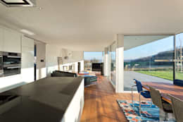 moderne Eetkamer door m67 architekten