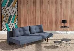Livings de estilo escandinavo por Angolo Design