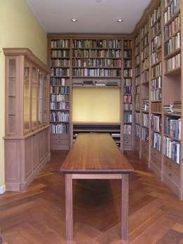Diverse kasten in opdracht voor particulieren: klasieke Studeerkamer/kantoor door Firma 400