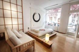 Dormitorios de estilo asiático por EBRA NATURAL- FUTONES