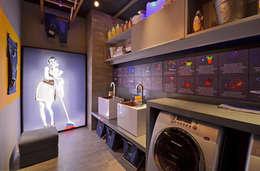 Baños de estilo moderno por ARQUITETURA - Camila Fleck