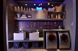 Casa Cor 2012: Banheiros modernos por ARQUITETURA - Camila Fleck