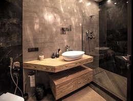 Двухуровневая квартира: Ванные комнаты в . Автор – Александр Михайлик