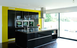 A modern kitchen in rural location: modern Kitchen by Urban Myth
