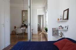 Appartement Martel, Paris 10e: Chambre de style de style Minimaliste par Ramsés Salazar Architecte